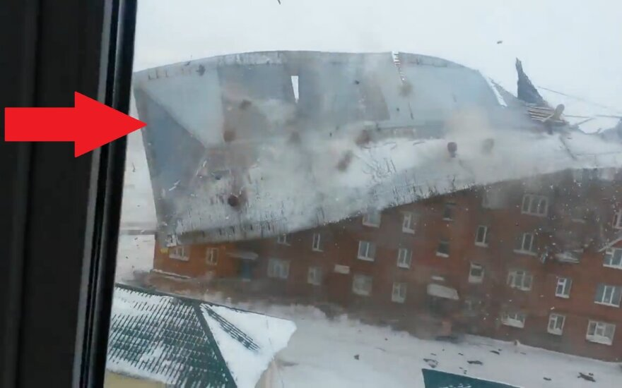 Wiatr zerwał dach