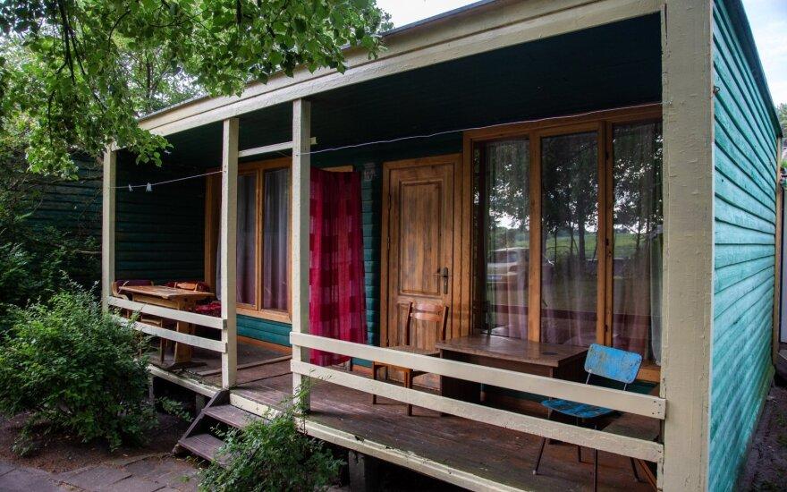 Легендарные домики в Швянтои: экономные люди могут недорого прожить здесь всю неделю
