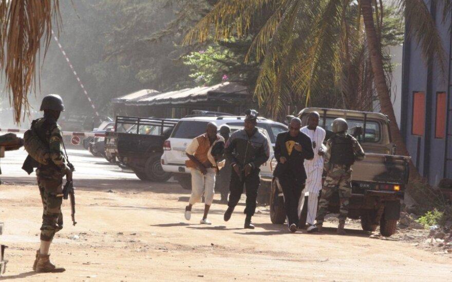 Terroryści w hotelu w Bamako. Wypuszczają tych, którzy zacytują Koran