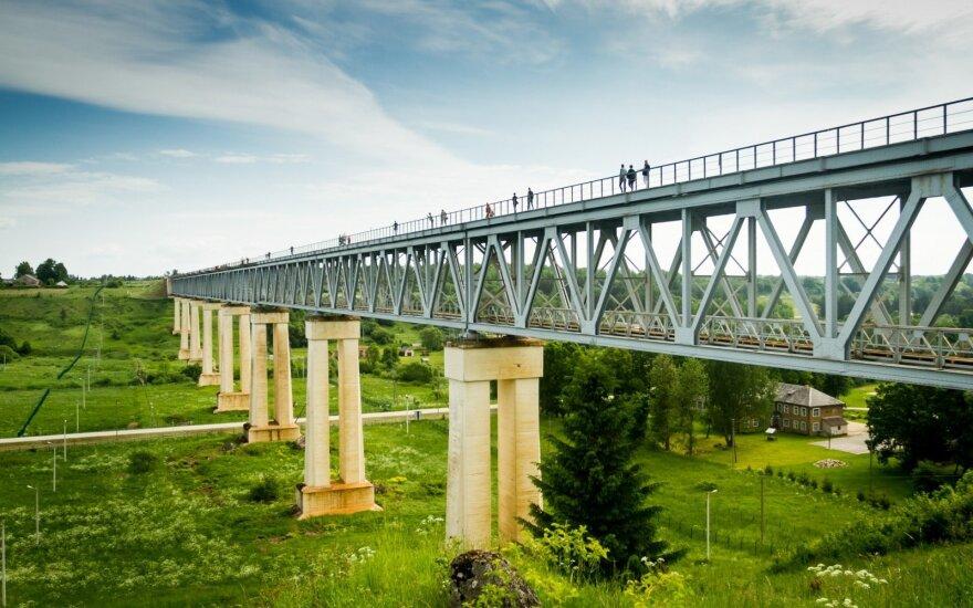 Туристы посетили самый высокий мост в Литве
