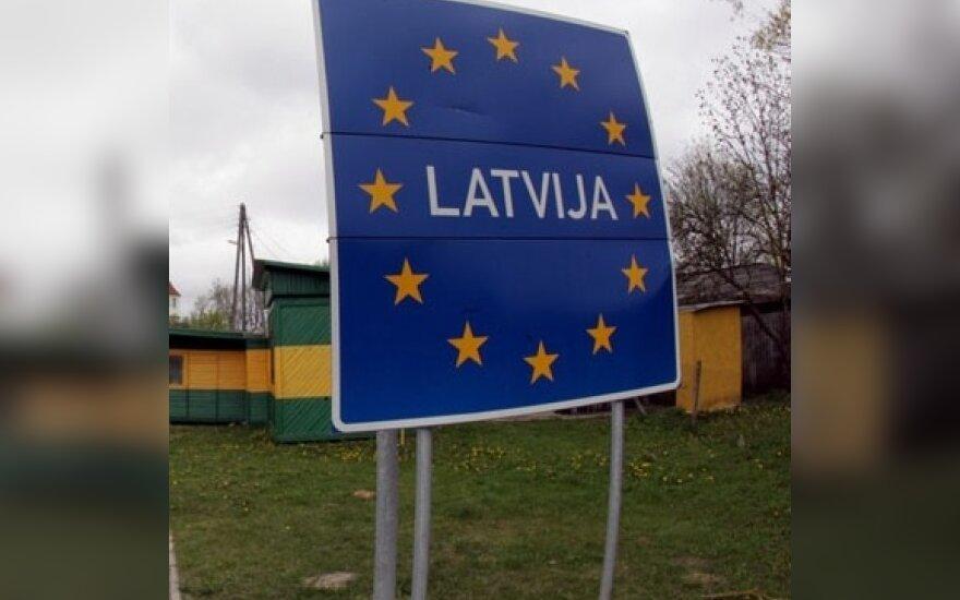 В ЕС призывают расширить права неграждан в Латвии