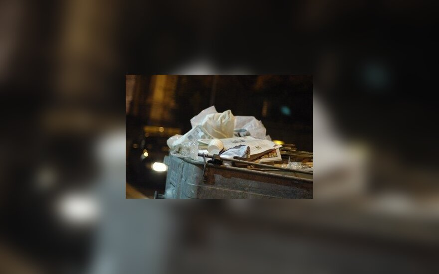Француз исколесил Европу, в знак протеста питаясь исключительно из мусорных баков