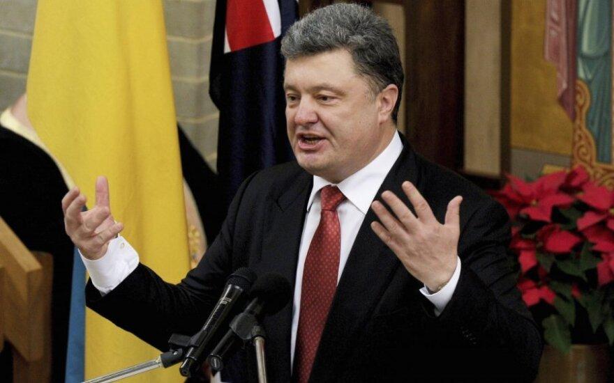 Poroszenko sądzi, że armia pomoże mu w osiągnięciu pokoju na Ukrainie