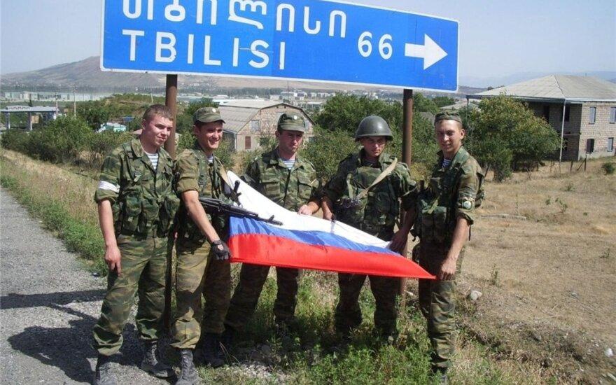 Медведев или Путин - кто принял решение ввести войска в Грузию?