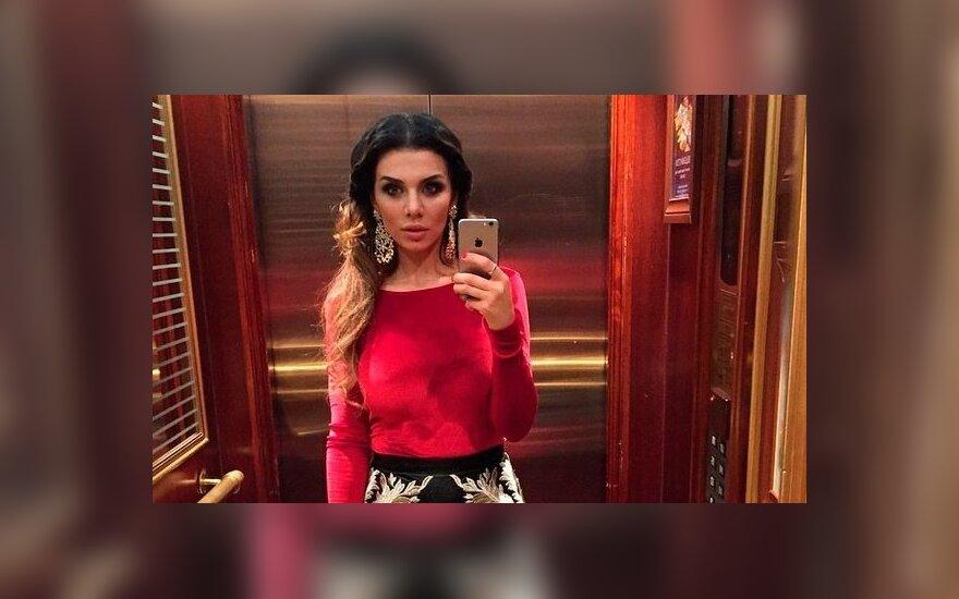 Российский хоккеист ради Анны Седоковой бросил невесту-модель