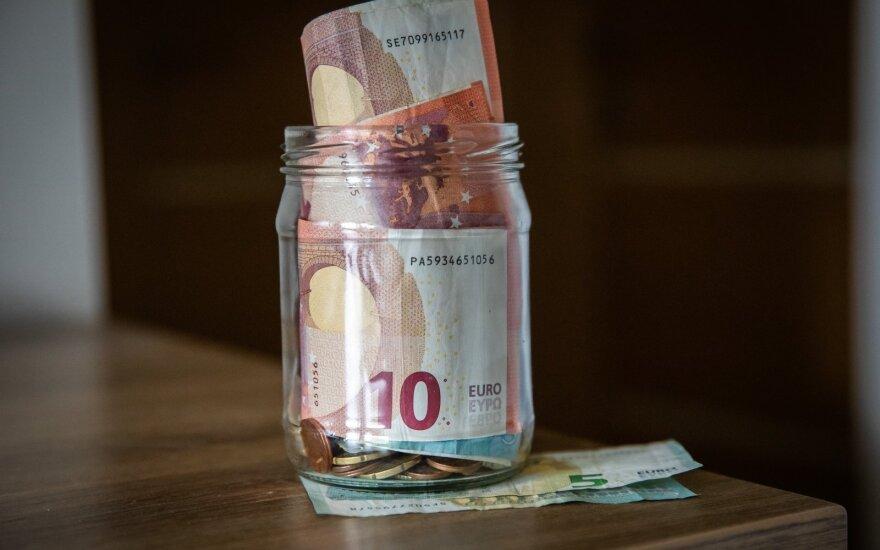 Опрос: из-за пандемии 55% жителей Литвы почувствовали ухудшение финансовой ситуации