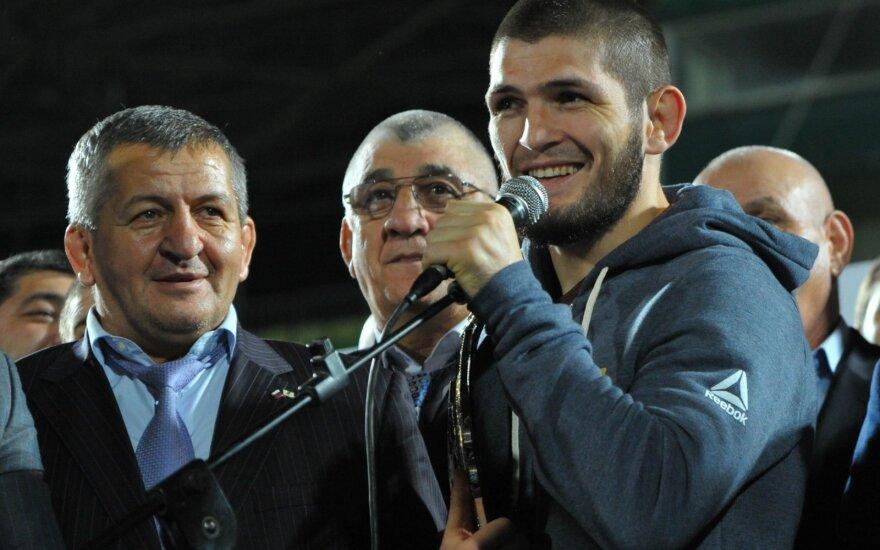 Chabibas Nurmagomedovas kaip didvyris sutiktas Dagestane