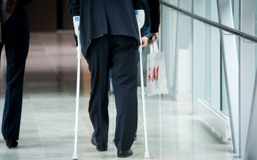 Томашевский получил травму: неделю провел в постели, месяц на костылях