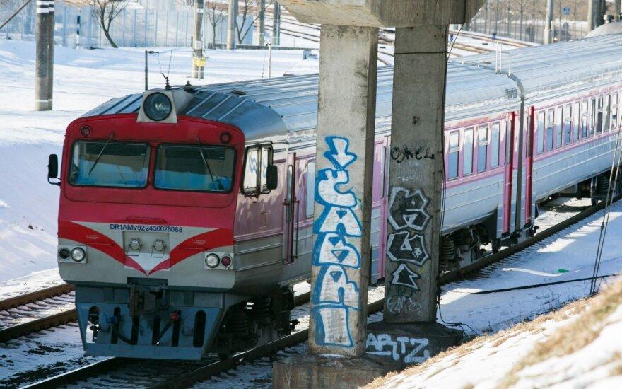 Литовские и польские железные дороги постараются ускорить поездку между Вильнюсом и Варшавой