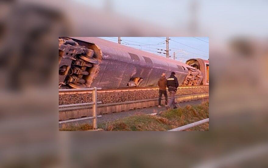 Prie Milano nuo bėgių nulėkus traukiniui žuvo du žmonės