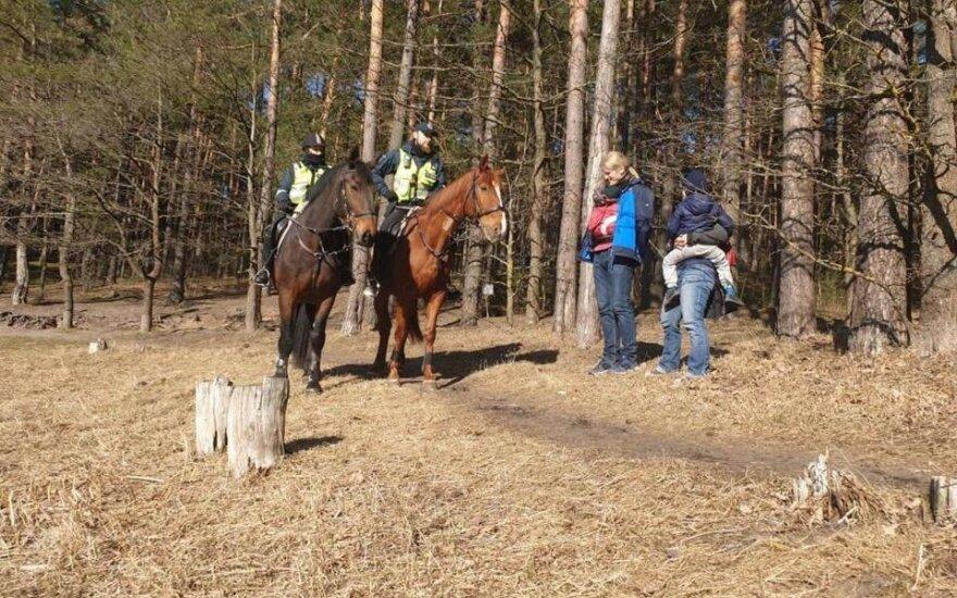 Советник премьера Литвы: в выходные на улицах будет дежурить больше полицейских