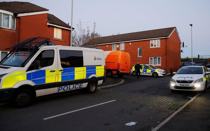 Britų policija apžiūri Mančesterio užpuoliko namus