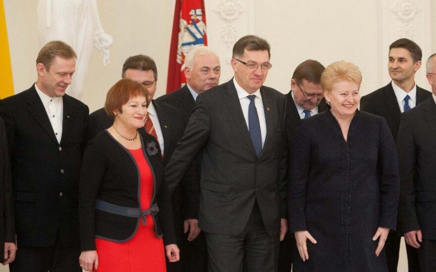 Грибаускайте: представители правительства портят имидж Литвы