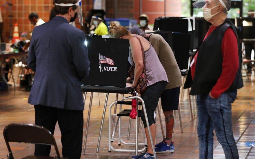 Американцы голосуют на выборах президента и готовятся к возможным беспорядкам