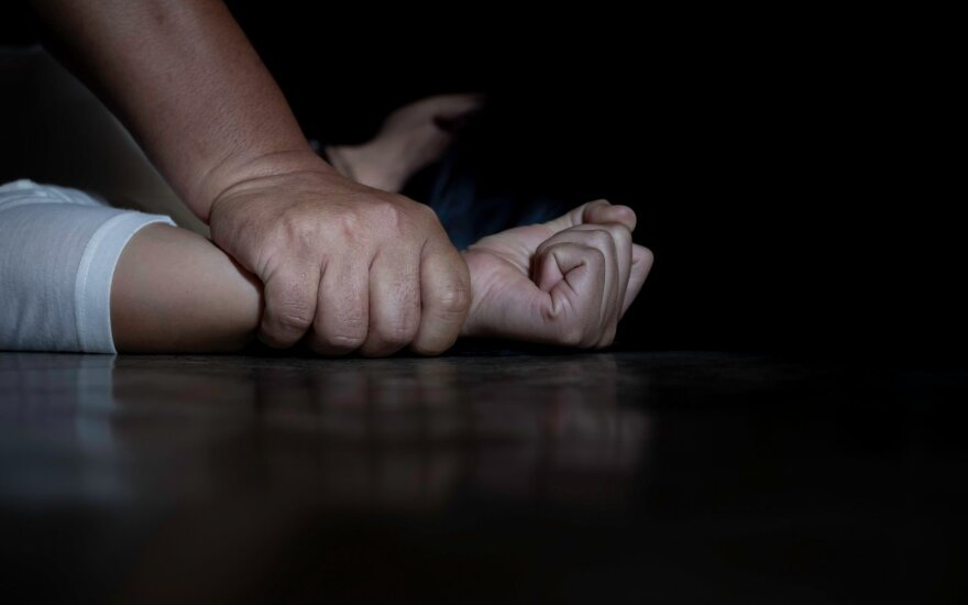 В Уфе три полицейских начальника изнасиловали 23-летнюю коллегу -дочку высокопоставленного сотрудника Росгвардии