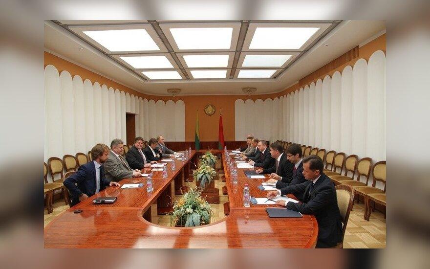 Глава МИД Литвы в Беларуси обсудил и неудобные вопросы