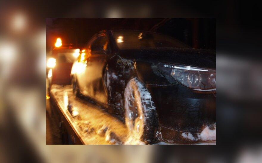 В Вильнюсе водитель снес столб