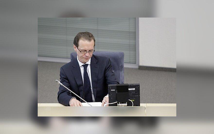 А.Шемета удержался в кресле министра