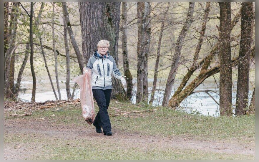 """I. Šimonytė dalyvavo akcijoje """"Darom"""""""