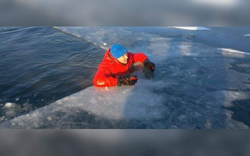 Wpadłeś pod lód. Masz szansę przeżyć!!!