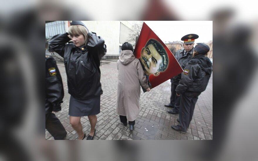 Литовский дипломат: Россия должна реагировать и на преступления сталинизма