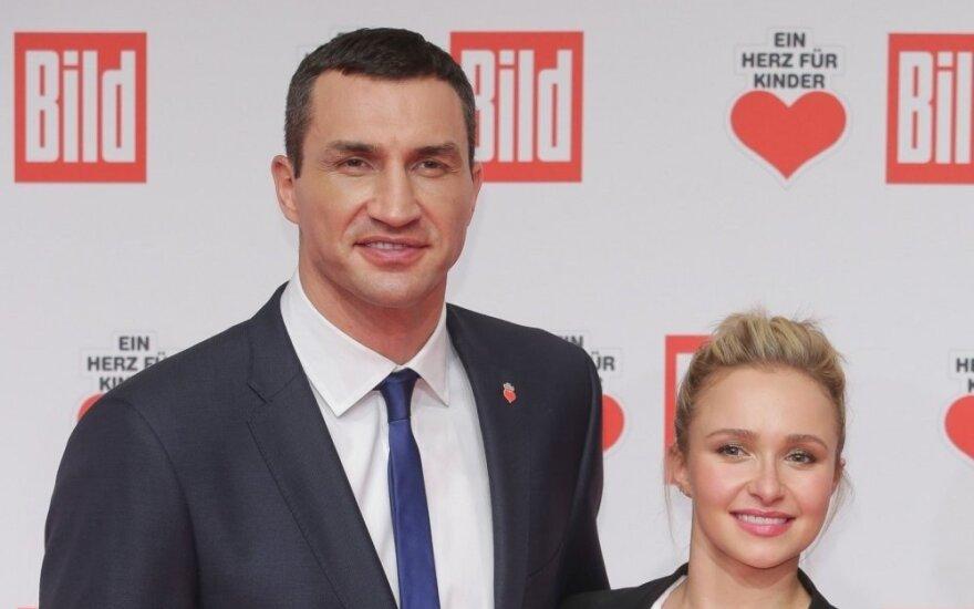 Владимир Кличко забрал дочь у бывшей невесты и увез в Киев