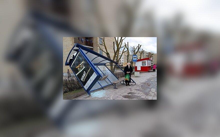 На выходных вандалы уничтожили 80 остановок