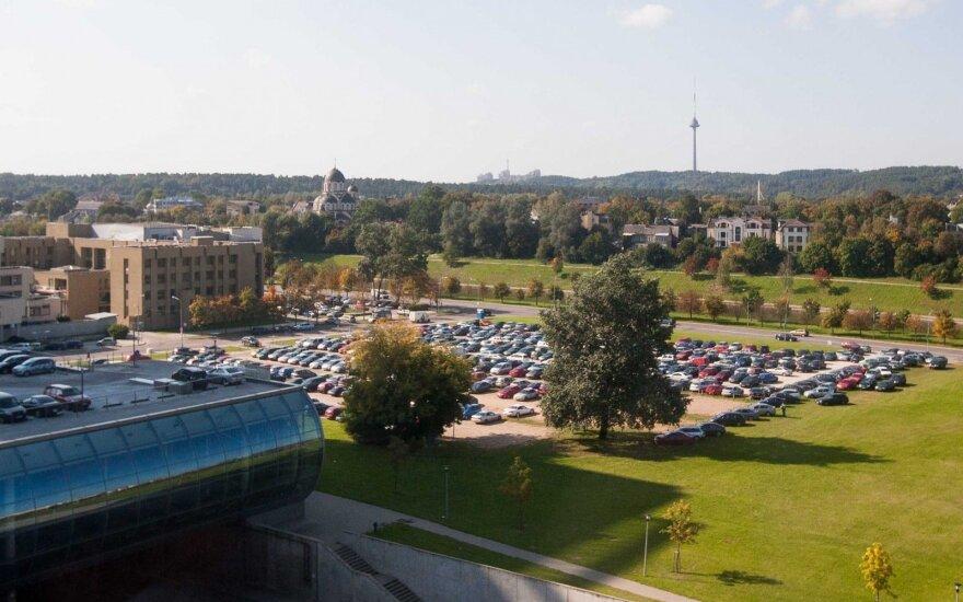 Automibilių stovėjimo aikštelė prie Seimo