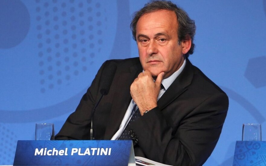 Платини снял кандидатуру с выборов президента ФИФА