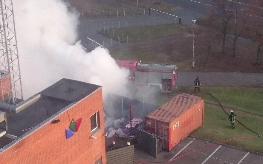 В субботу произошел пожар во дворе студии LNK