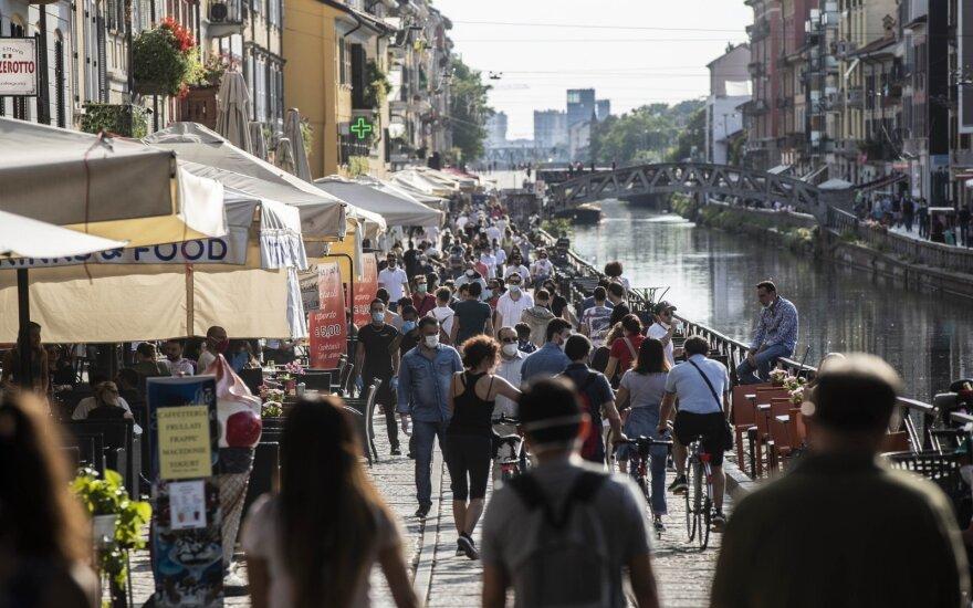 Коронавирус: в Англии открылись школы, в Италии говорят, что вирус стал менее опасным