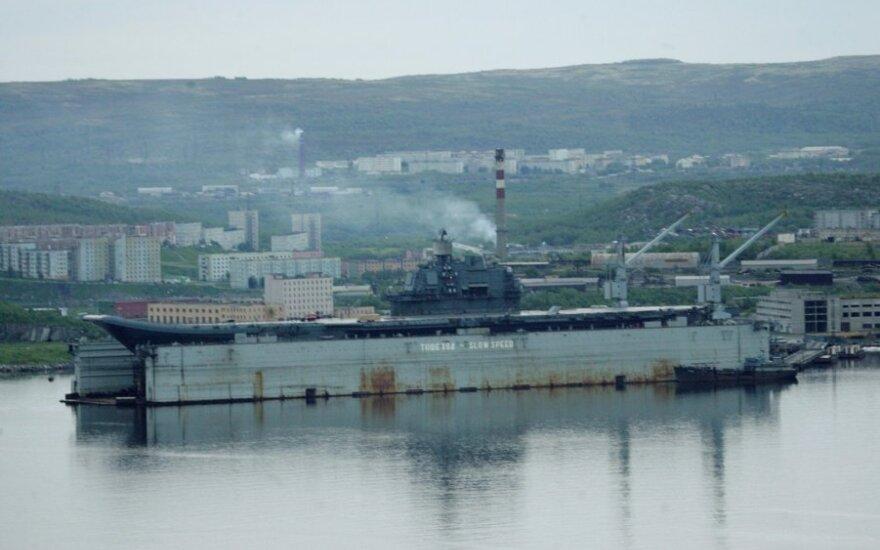 "Lėktuvnešis ""Admiral Kuznecov"" Murmansko uoste"