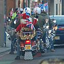 Kalėdų seneliai ant motociklų