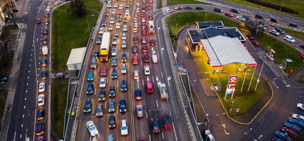 Ruošia svarbius mokestinius pokyčius: daliai vairuotojų brangtų kelionės automobiliu, kitiems gyventojams – šildymas