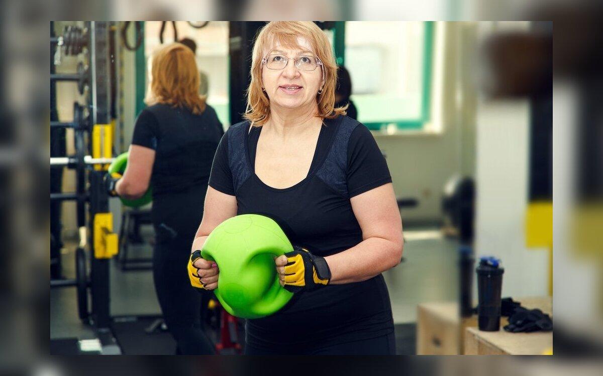 moteris virš 40 mesti svorį