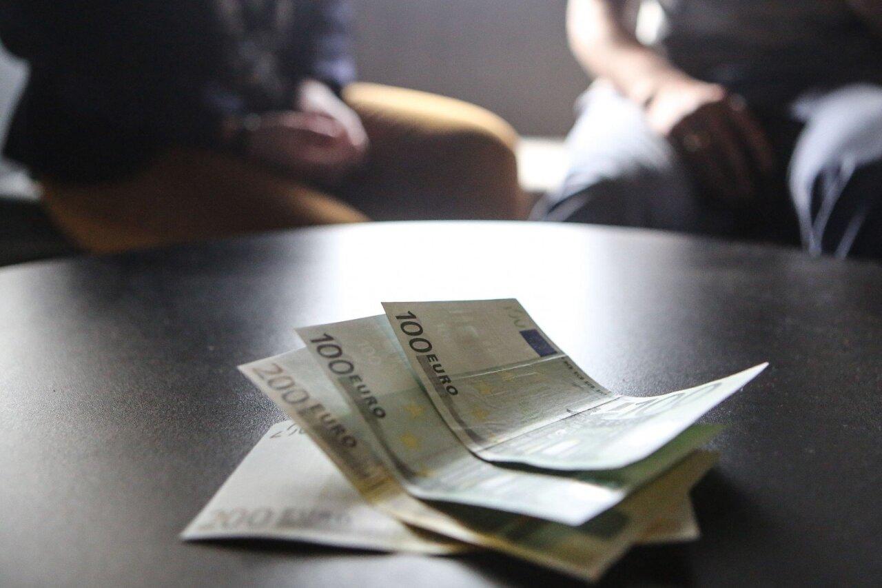 Kaip užsidirbti pinigų pradedantiesiems patarimais. Uždirbti Pinigus Naudodami Nemokamą Internetą