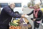 Prekybos centrų boikotas: turguje kai kurie prekeiviai kainas net pakėlė