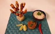 Vištienos satay su žemės riešutų padažu ir ryžių makaronais