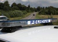 """Klaipėdos rajone moteris su """"Audi"""" sugebėjo apversti traktorių"""