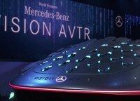 """""""Mercedes-Benz"""" pristatė filmo """"Įsikūnijimas"""" įkvėptą automobilį"""