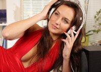 Muzikos įtaka dažnai nuvertinama: pasakė, kokius žmones ir kodėl dažniausiai erzina kalėdinės dainos