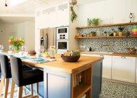 6 gudrybės, kaip įsirengti virtuvę, kad į akis nekristų nešvarumai ir dulkės
