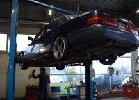 """Po """"Lexus LS400"""" apžiūros autoservise – verdiktas: norintys tokio automobilio turėtų įvertinti savo piniginės dydį"""
