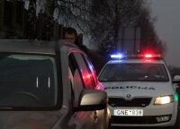 Kodėl policijos automobiliai naudoja mėlynas ir raudonas šviesas