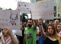 Gruzijoje kilus protestams prieš Kremlių Maskva griežtina Sakartvelo vynų importo kontrolę