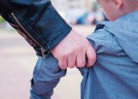 Svarbu visiems tėvams: pareigūnai pataria, ką privalo žinoti vaikas, kad išvengtų nepažįstamųjų klastos