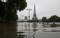 Paryžiuje įrengs vietą, kur nudistai galės vaikščioti nuogi