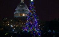 Prie Jungtinių Valstijų Kapitolijaus įžiebta Kalėdų eglė