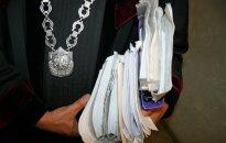 Teisėjas galimai atsisako iki galo atsiskaityti su sklypo pardavėja