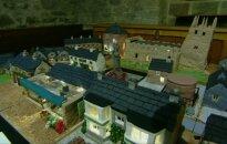 Valgomas britų kaimo modelis aukcione padės rinkti pinigus bažnyčios stogui